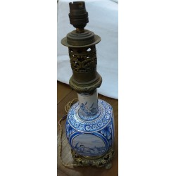 Bronze and earthenware lamp